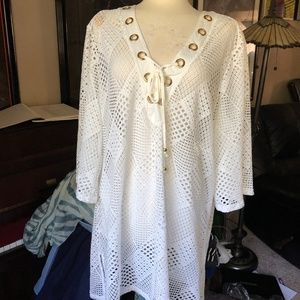 CLUB Z COLLECTION POOL COVERUP EUC! 2X WHITE+GOLD